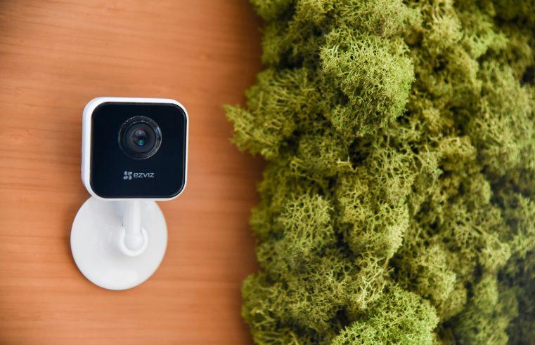 EZVIZ C1HC Indoor Smart Camera & EZVIZ C3N Outdoor Smart Camera Kombinasi Optimal Pengawasan Smart Home