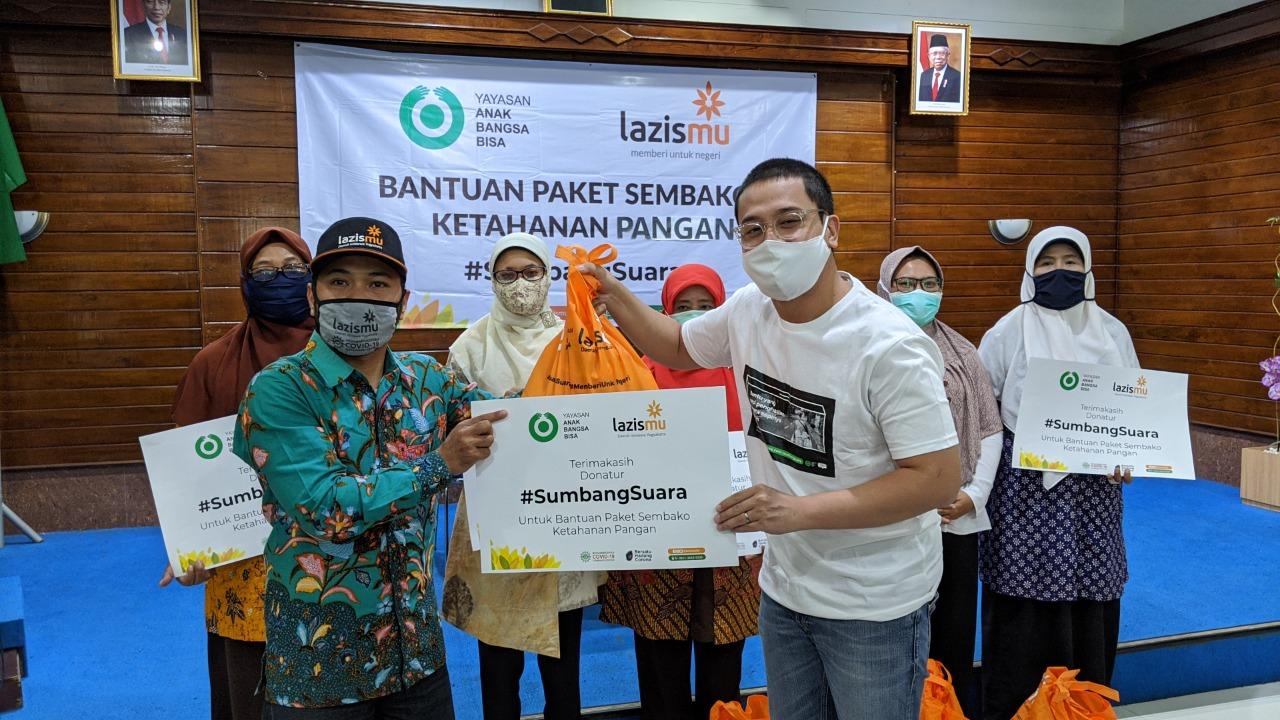 Gandeng Lazismu Yayasan Anak Bangsa Bisa Salurkan Sembako Untuk Para Pekerja Harian di Kota Yogyakarta